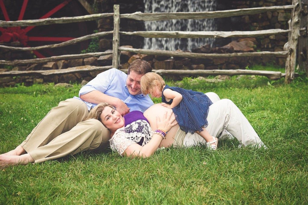 family session with little girl and pregnant mother